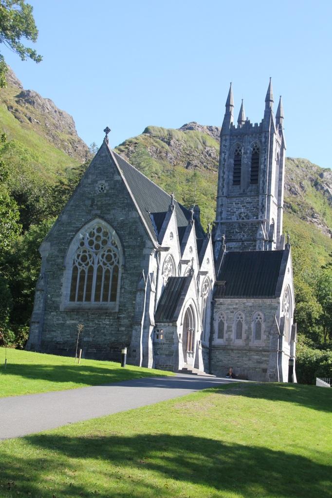 gotische Miniaturkathedrale bei Kylemore Abbey